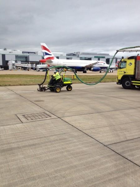 H2GO hydroblast line removal Gatwick Airport