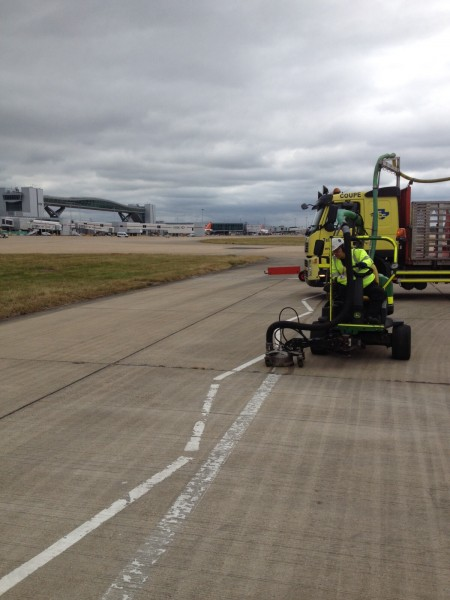 H2GO line removal by Hydroblasting at Gatwick Airport
